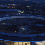 初めて見る室内が点灯した「Apple Park」(空撮動画)